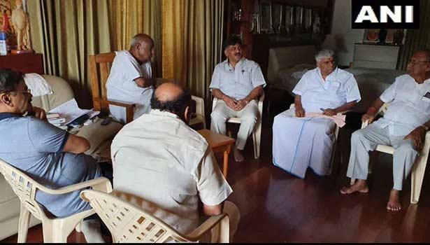 கர்நாடகா அரசியல் குழப்பம்