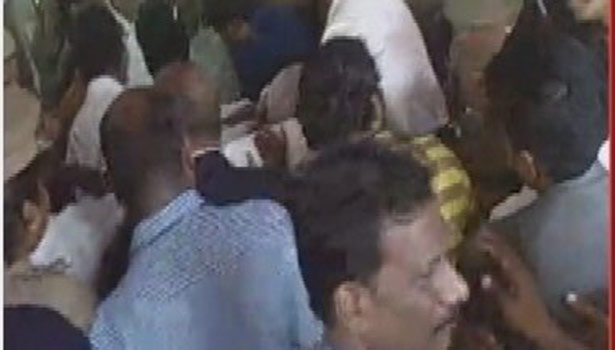 சக்கர நாற்காலியில் கோர்ட்டுக்கு செல்லும் ராஜகோபால்
