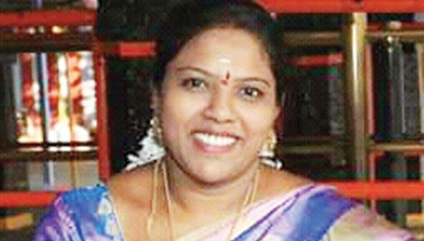 கதிர்ஆனந்த் மனைவி சங்கீதா
