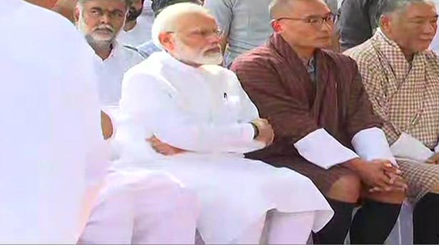 சுஷ்மா சுவராஜ் இறுதிச்சடங்கில் கலந்து கொண்ட பிரதமர் மோடி