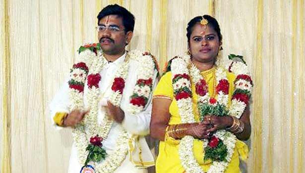 முதல் மனைவி பிரியதர்ஷினியுடன் அரங்க அரவிந்த தினேஷ்