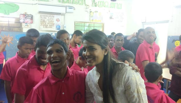 குழந்தைகளுடன் ஐஸ்வர்யா ராஜேஷ்