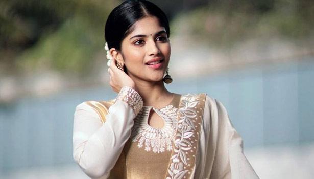 மேகா ஆகாஷ்