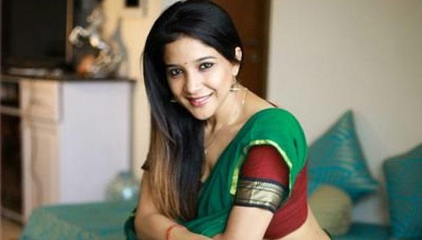 சாக்ஷி அகர்வால்