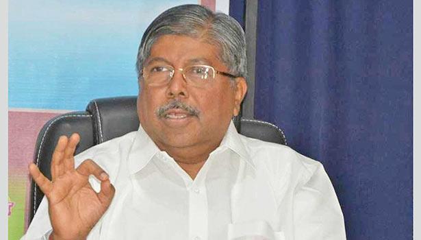 மகாராஷ்டிரா பாஜக தலைவர் சந்திரகாந்த் பாட்டீல்