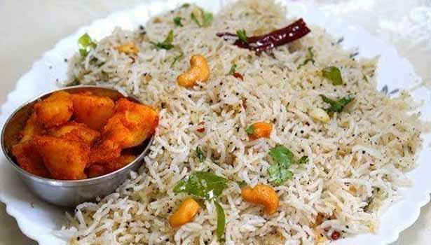 சளி, இருமலுக்கு இதம் தரும் பூண்டு மிளகு சாதம் 202003271121582973_1_Garlic-Pepper-Rice1._L_styvpf