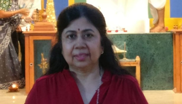 இயக்குனர் புவனா