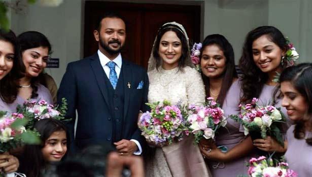மியா ஜார்ஜ், அஸ்வின் பிலிப் திருமண புகைப்படம்