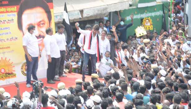 தேர்தல் பிரசாரத்தில் ஈடுபட்ட உதயநிதி ஸ்டாலின்