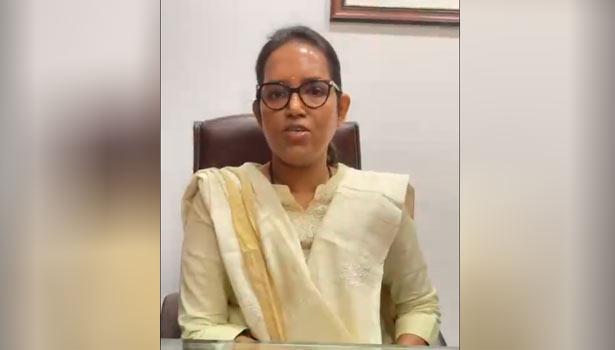 பள்ளிக் கல்வித்துறை மந்திரி வர்ஷா