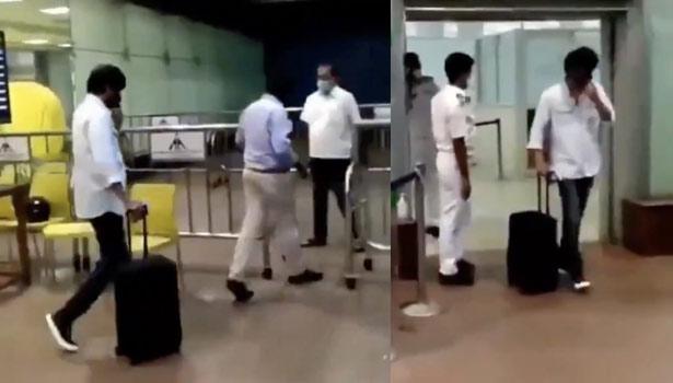 சென்னை விமான நிலையத்தில் விஜய்
