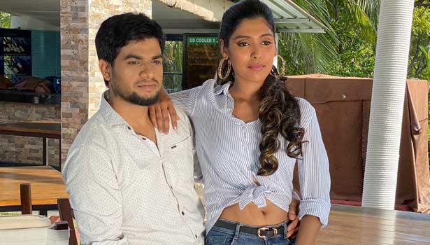 ஜான், பிகில் காயத்ரி