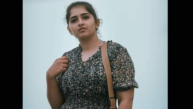 நடிகை சனுஷா