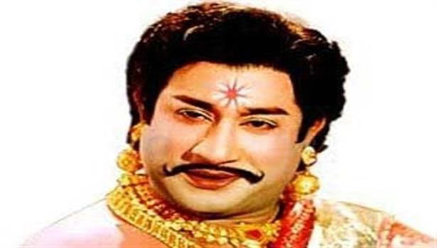 வீரபாண்டிய கட்டபொம்மனாக நடிகர் திலகம் சிவாஜி கணேசன்