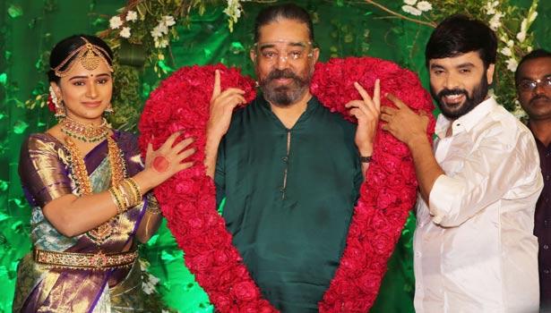கன்னிகா ரவி, கமல், சினேகன்