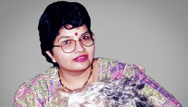 கேயாரின் மனைவி இந்திரா